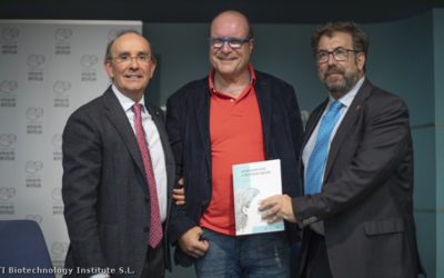 "Eduardo Anitua presenta su nuevo libro ""Aprendiendo a respirar mejor"""